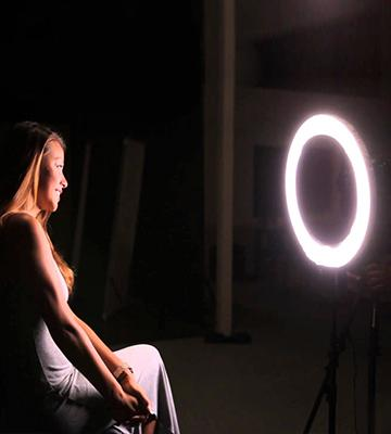 Review of FalconEyes DVR-300 Dual Color LED Ring Light