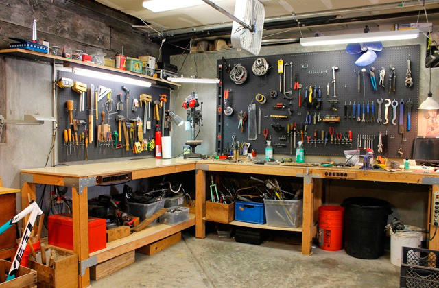 Comparison of Garage Workbenches for Your DIY Projects