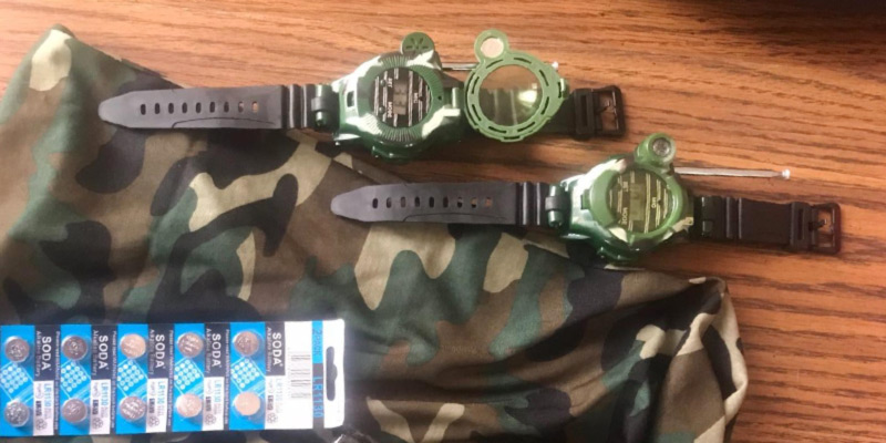 Review of Hitopin Walky-Talky Watch Outdoor Interphone Kids