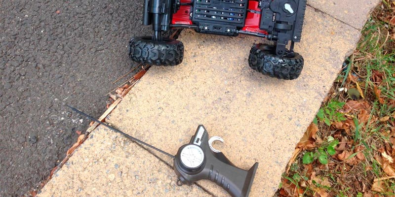 Detailed review of Maisto 83022 Rock Crawler Radio