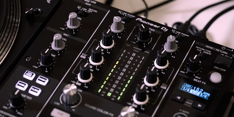 Pioneer DJM-450 2-Channel DJ Mixer in the use