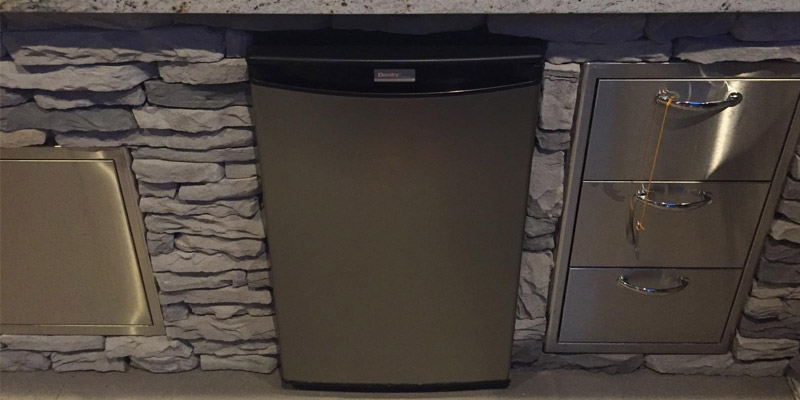 Review of Danby Designer 2.6 Cu. Ft. Compact Refrigerator