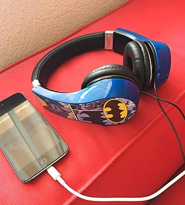Review of Warner Bros Kid Safe Over the Ear Headphone