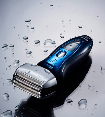 Review of Panasonic ES8243A Arc4 Electric Razor for Men