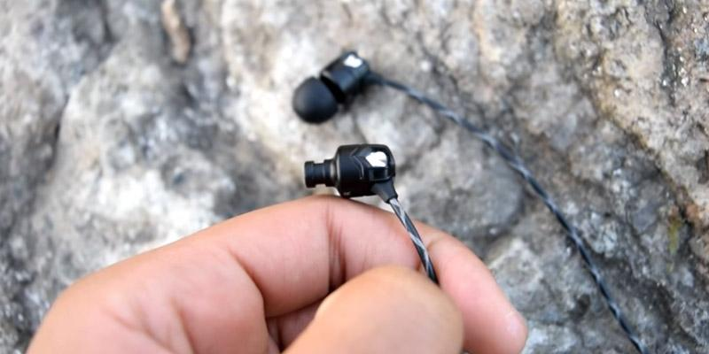 V-MODA Zn In-Ear Modern Audiophile Headphones in the use