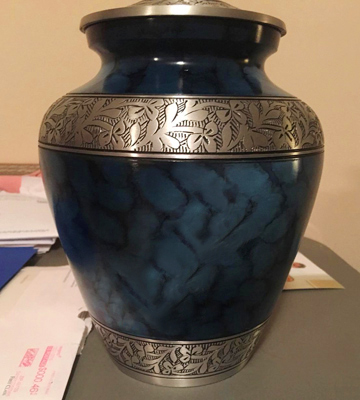 Review of Memorials4u Elite Cloud Blue and Silver Cremation Urn