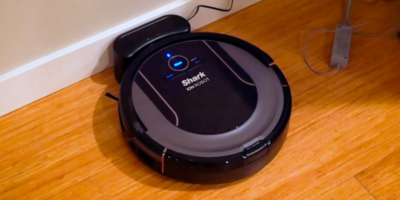 Shark ION Robot R85 Robotic Vacuum in the use