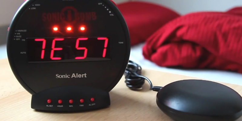 Detailed review of Sonic Alert SBB500SS Alarm Clock with Bed Shaker