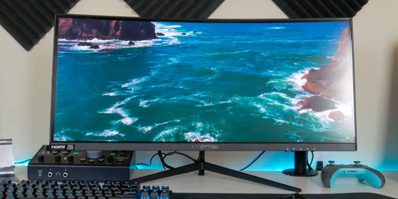 Sceptre (C305B-200UN) 30-inch Curved 21:9 Gaming Monitor (AMD Free Sync) in the use