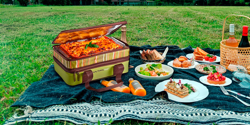 Review of Rachael Ray Expandable Lasagna Lugger Casserole Carrier