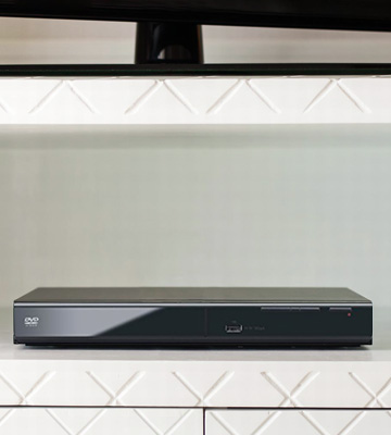 Review of Panasonic S700 DVD Player (HDMI, 1080p Upscale, USB)