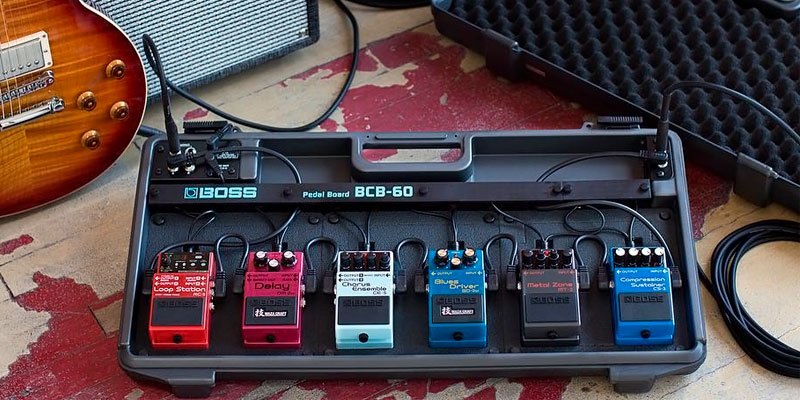 Review of BOSS AUDIO BCB-60 Deluxe Pedal Board and Case