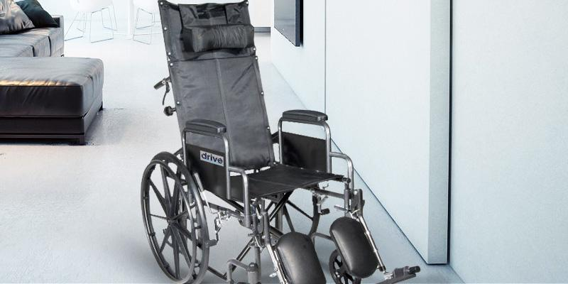 Review of Drive Medical SSP18RBDDA Silver Sport Reclining Wheelchair