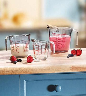 Review of Pyrex 3-Piece Glass Measuring Cup Set