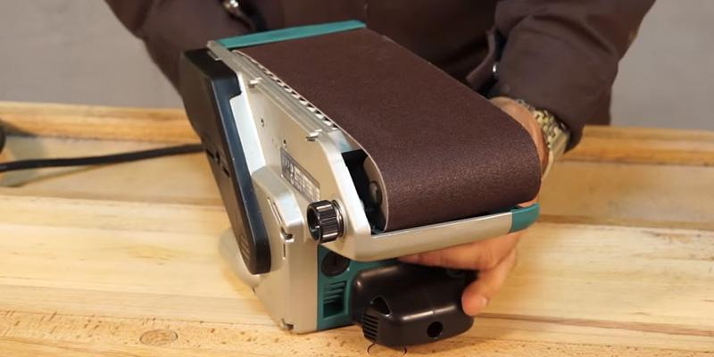 Makita 9403 Belt Sander in the use