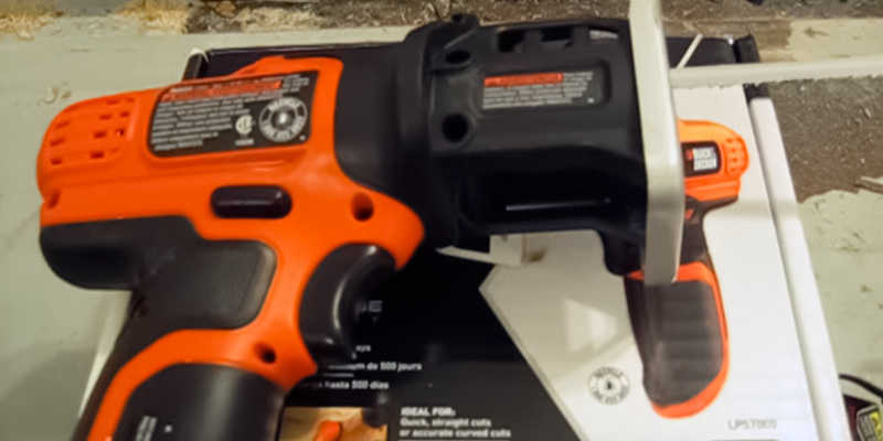 Black & Decker LPS7000 Lithium-Ion Compact in the use