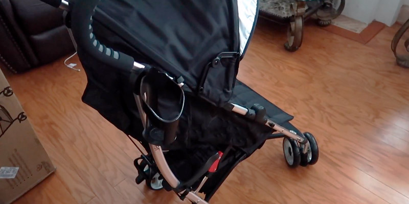 Summer Infant 3D Lite Convenience Stroller in the use