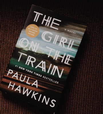 Review of Paula Hawkins The Girl on the Train