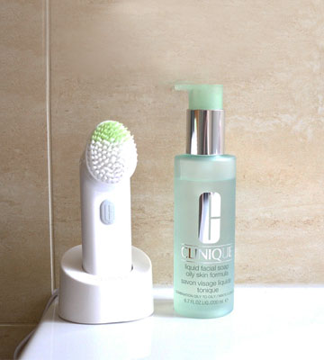 Review of Clinique Sonic System Purifying Cleansing Brush