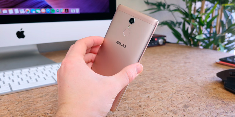 "BLU VIVO 5R 5.5"" Full HD, Dual SIM 4G LTE GSM Factory Unlocked Smartphone in the use"