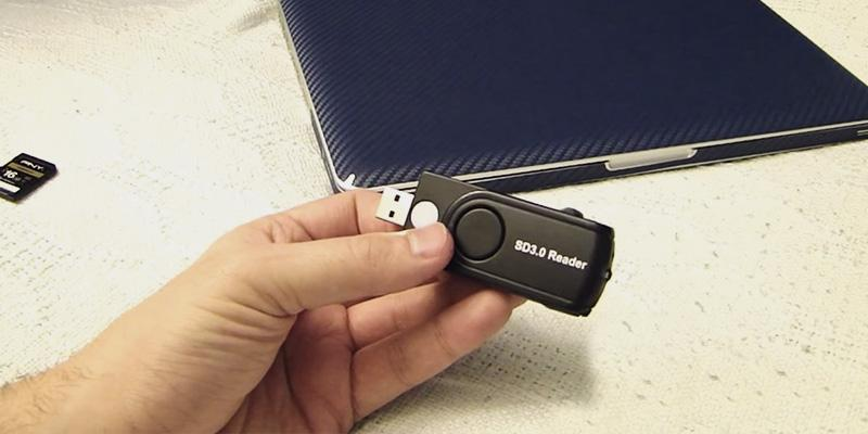 Rocketek 11 in 1 Multiformat USB 3.0 Memory Card Reader / Writer in the use