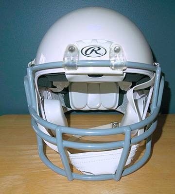 Review of Rawlings Momentum Plus Youth Football Helmet