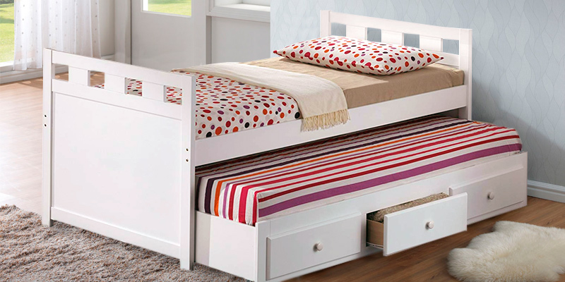 Review of Broyhill Kids Bed with Roll-out Trundle and Drawers