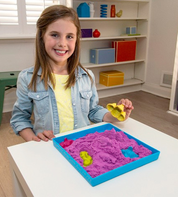 Review of Kinetic Sand Kinetic Sand with Sandbox and Molds