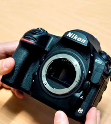 Review of Nikon D850 FX-format Digital SLR Camera (Body Only)