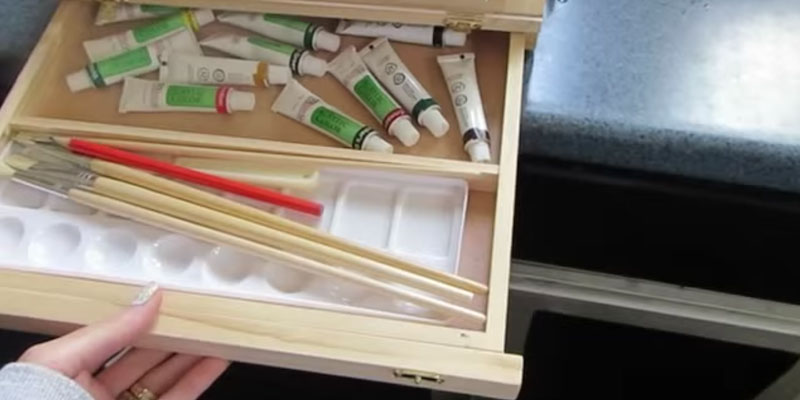 US Art Supply Deluxe Artist Painting Set in the use