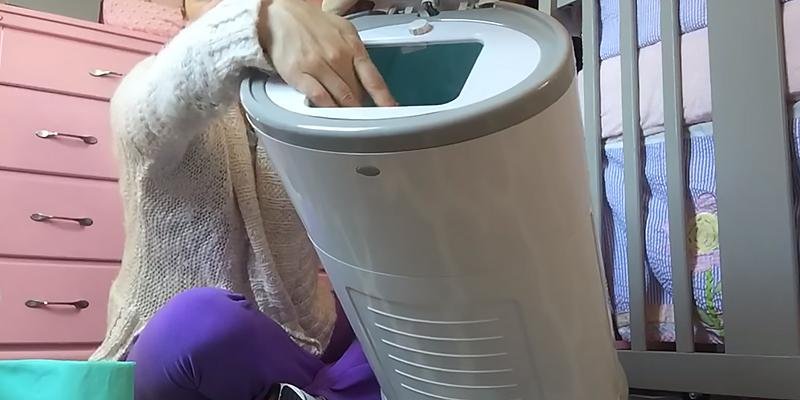 Review of Dekor Classic Diaper Disposal System Hands-Free