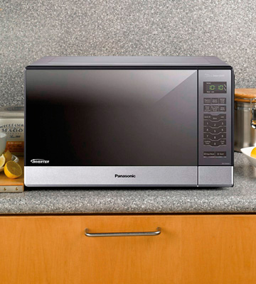 Review of Panasonic NN-SN686S Countertop/Built-In Microwave