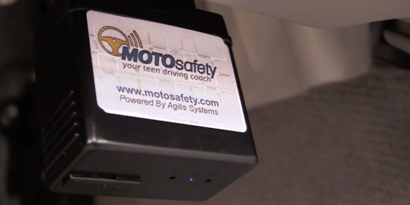 MotoSafety MPVAS1 GPS Tracker & OBD GPS Device in the use