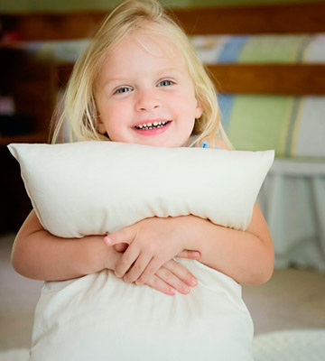 Review of Little One's Pillow Toddler Pillow Delicate Organic Cotton Shell