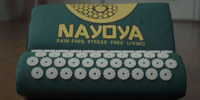 Nayoya NAM1 Acupressure Mat in the use