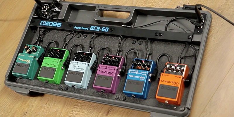 BOSS AUDIO BCB-60 Deluxe Pedal Board and Case in the use