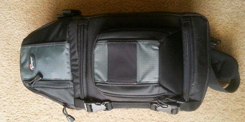 Lowepro LP36172 DSLR Sling Camera Bag application