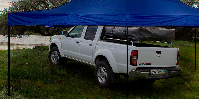 American Phoenix Canopy Tent Gazebo Shelter Car in the use