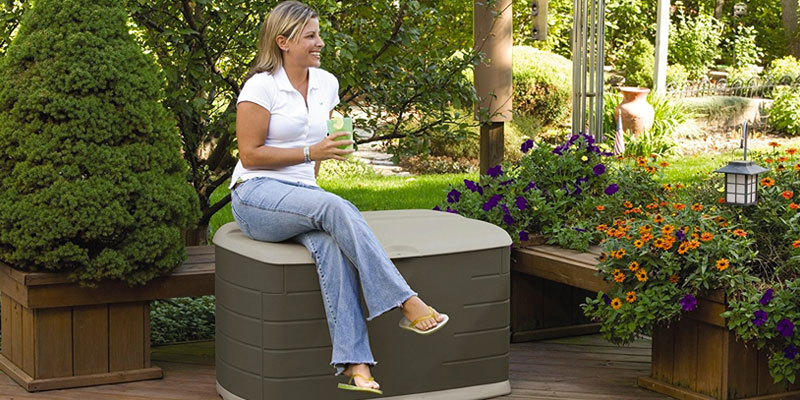 Rubbermaid Deck Box with Seat in the use