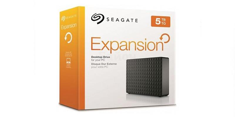 Seagate Expansion STEB5000100 External Hard Drive in the use