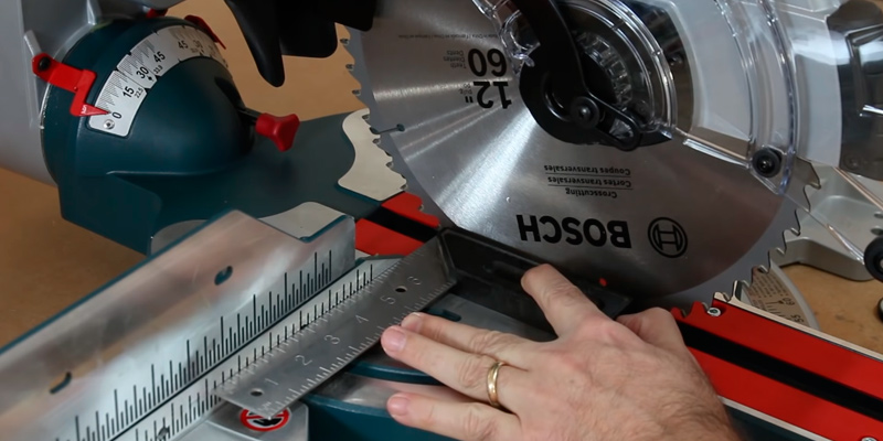 Detailed review of Bosch GCM12SD 12'' DB Glide Miter Saw