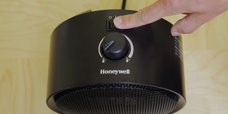 Honeywell HCE200B Uberheat Ceramic Heater in the use