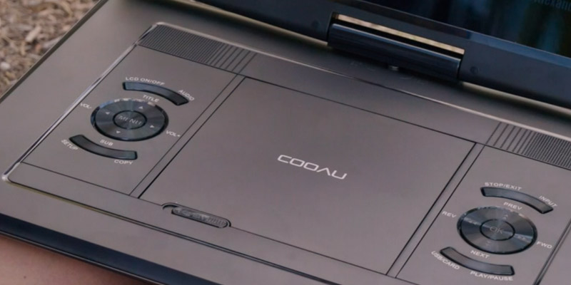 COOAU CU-121 Portable DVD Player in the use
