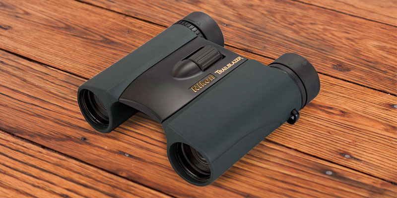 Nikon 8218 Trailblazer 10x25 Hunting Binoculars in the use