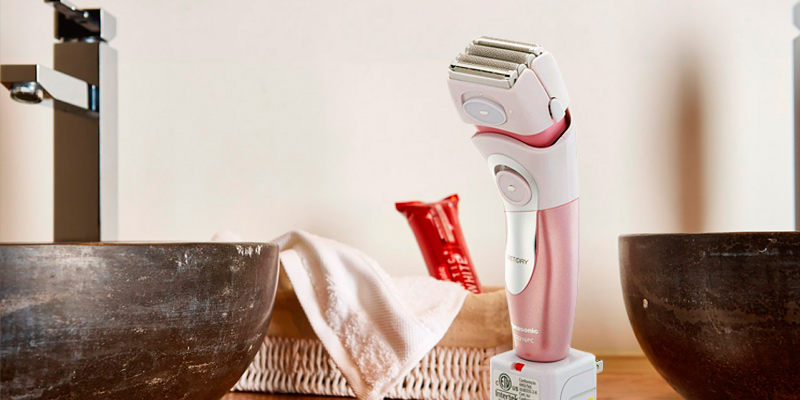 Review of Panasonic ES2216PC Electric Shaver for Women