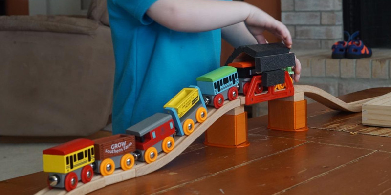 Detailed review of Orbrium Toys Triple-Loop Wooden Train Set