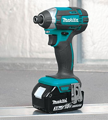 Review of Makita XDT111 Cordless Impact Driver Kit