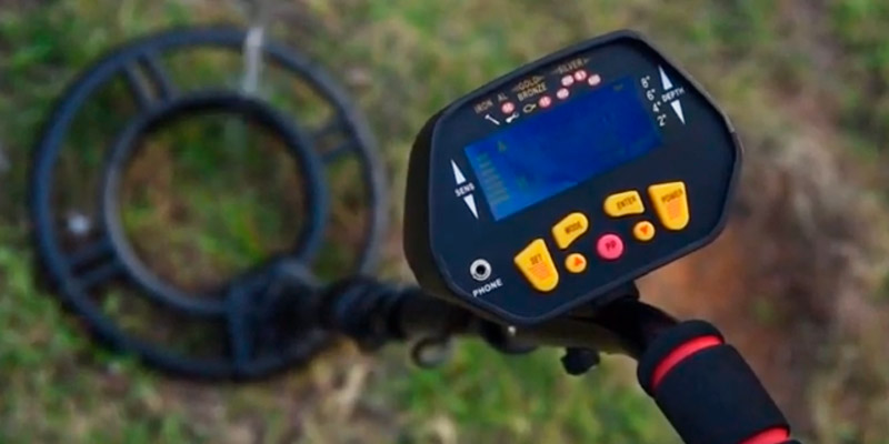 RM RICOMAX GC-1028 Metal Detector for Underwater Metal Detecting in the use