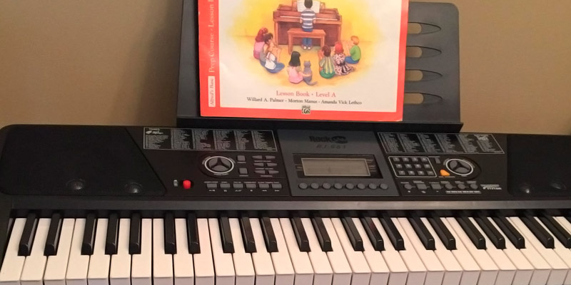RockJam Electronic Keyboard SuperKit in the use