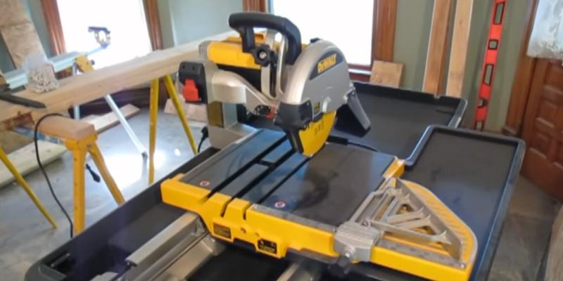 Review of DEWALT D24000 Wet Tile Saw